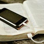 Aufladen - Bibel lesen - Gottesdienst besuchen
